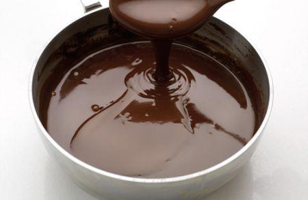 Salsa-al-cioccolato-speziato